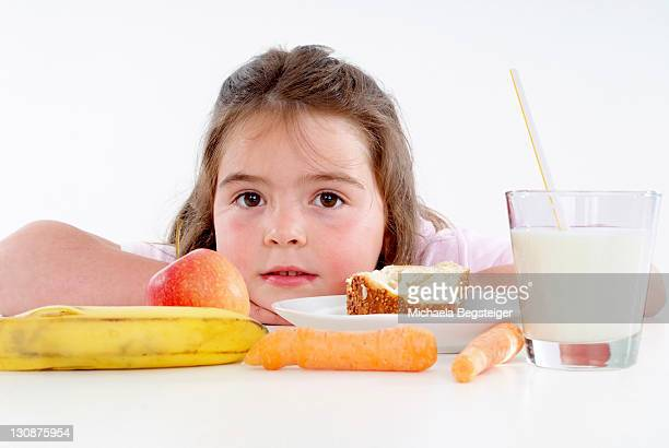 chubby girl with healthy breakfast - young thick girls fotografías e imágenes de stock
