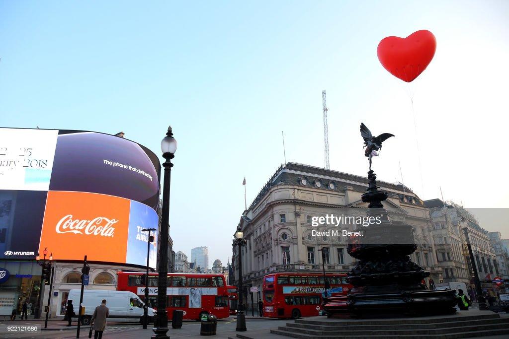 Chubby Hearts Over London : News Photo