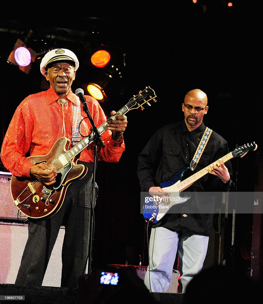 Chuck berry new years eve concert chuck berry and his son charles chuck berry jr performs at bb king voltagebd Image collections