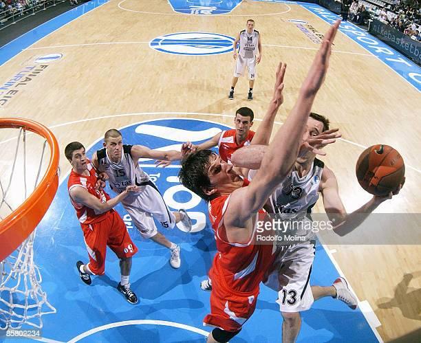 Chuck Eidson, #13 of Lietuvos Rytas competes with Boban Marjanovic, #20 of Hemofarm Stada Eurocup Basketball Semi Final 1, Hemofarm Stada v Lietuvos...