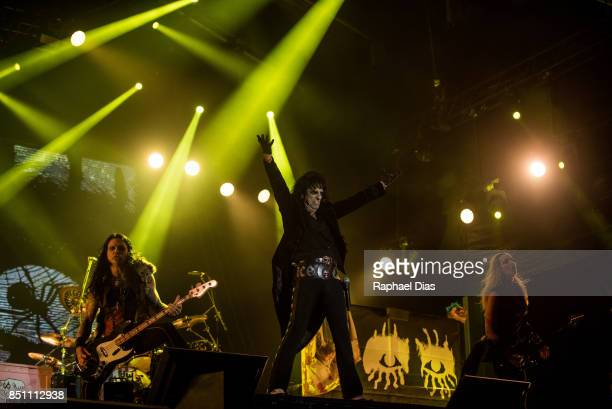 Chuck Garric Alice Cooper and Orianthi perform at day 4 of Rock in Rio on September 21 2017 in Rio de Janeiro Brazil