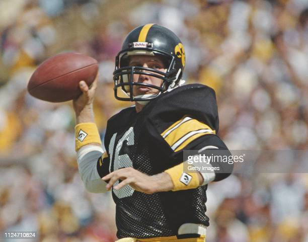 Chuck Long Quarterback for the University of Iowa Hawkeyes prepares to throw the ball during the NCAA Big10 Conference college football game against...