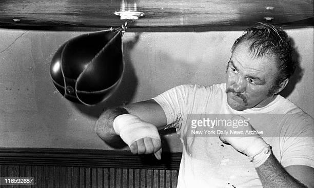 Chuck Wepner training for Muhammad Ali fight