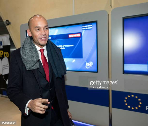 Chuka Umunna leaves the Berlaymont building headquarters of the European Commission after a meeting with Chief Brexit Negotiator Michel Barnier on...