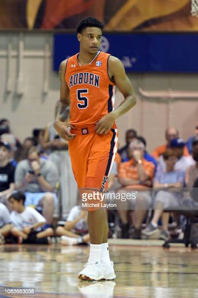 Chuma Okeke of the Auburn Tigers looks on during a second round game of Maui Invitational college basketball game against the Duke Blue Devils at the...