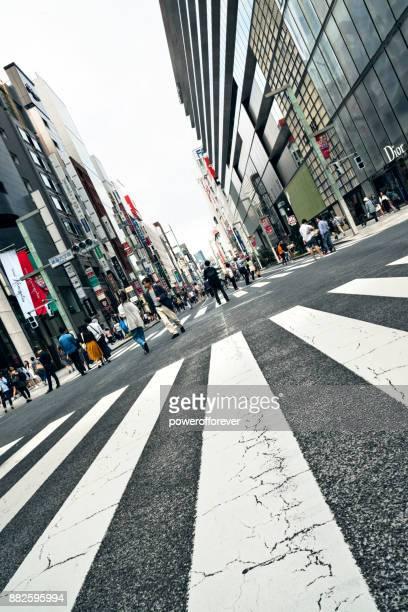 Chuo Dori street i Ginza District of Tokyo, Japan