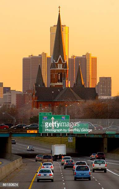 church and renaissance center aligned, detroit - detroit michigan stock pictures, royalty-free photos & images