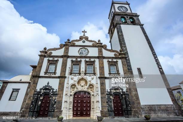 church at ponta delgado, sao miguel, azores - ponta delgada stock photos and pictures