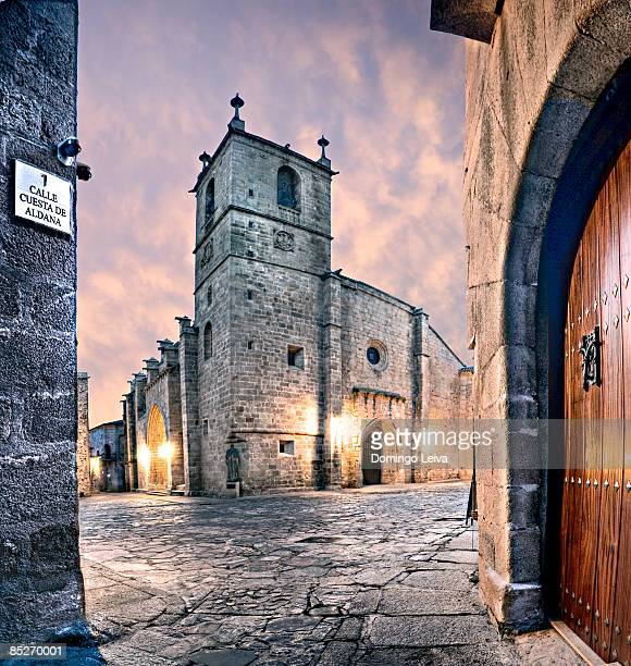church exterior - estremadura stock-fotos und bilder