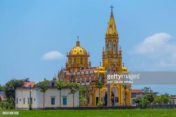 a church in nam dinh province, vietnam - ナムディン ストックフォトと画像