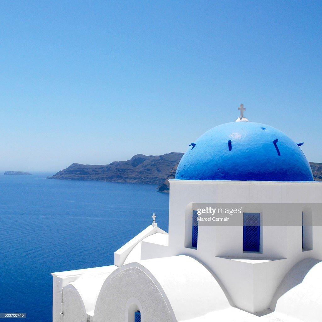 Church in Oia, Santorini (Greece) : Photo