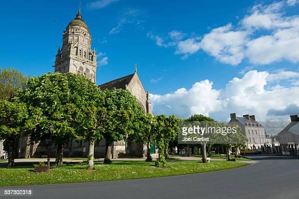 église de sainte-marie-du-mont, la salle normandie, france - cotentin photos et images de collection