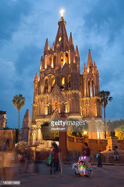 church in san miguel de allende, mexico - guanajuato stock pictures, royalty-free photos & images