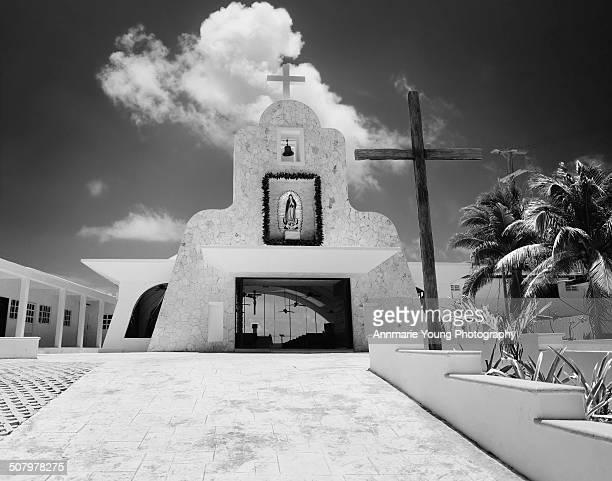 church, isla mujeres, mexico - mujeres fotos stockfoto's en -beelden