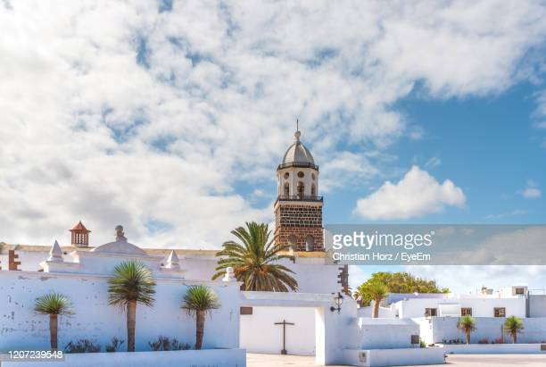 church nuestra senora de guadalupe in teguise, old capital city of lanzarote, canary islands - lanzarote stock pictures, royalty-free photos & images
