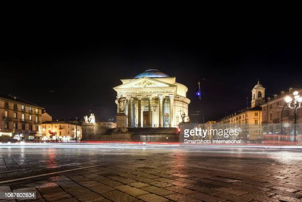 church of 'gran madre di dio' illuminated at night in turin, piedmont, italy - turin photos et images de collection