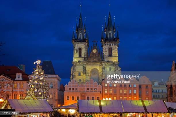 church of mother of god before týn, old town, prague, czech republic - notre dame de tyn photos et images de collection