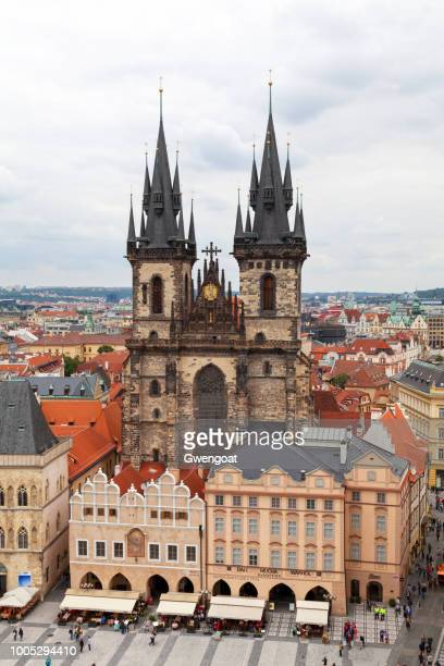 church of our lady before týn in prague - gwengoat stock pictures, royalty-free photos & images