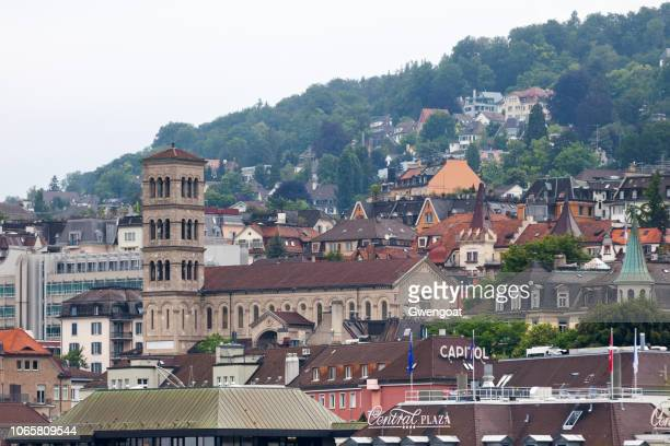 church of our lady in zurich - gwengoat stock pictures, royalty-free photos & images