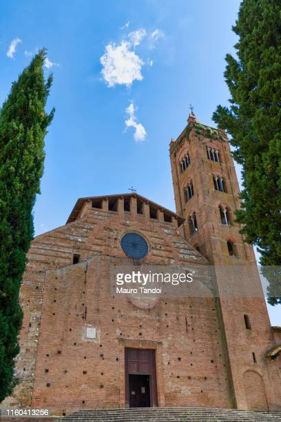 church of san clement in santa maria dei servi, siena, tuscany, italy - mauro tandoi stock pictures, royalty-free photos & images