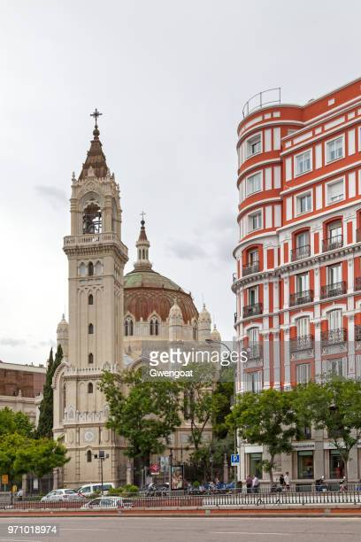church of san manuel y san benito in madrid - gwengoat stock pictures, royalty-free photos & images