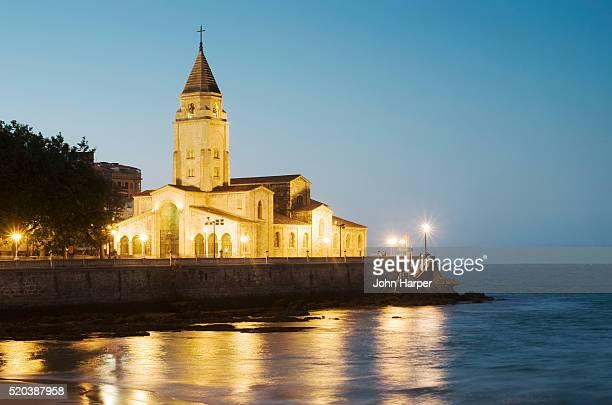 church of san pedro in gijon - gijon fotografías e imágenes de stock