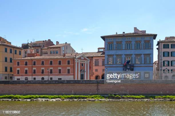 church of santa cristina and palazzo blu in pisa - gwengoat stock pictures, royalty-free photos & images