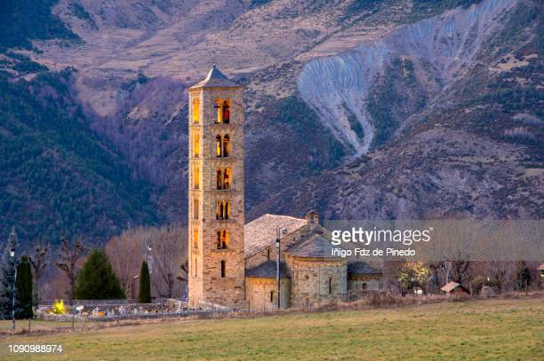 church of st clement of tahull, valley of boí, lleida, catalonia, spain. - レリダ県 ストックフォトと画像
