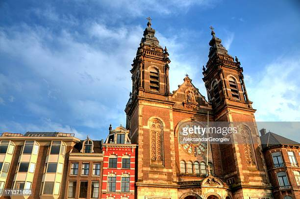 church of st. nicholas in amsterdam, netherlands - st. nicholas cathedral stock pictures, royalty-free photos & images