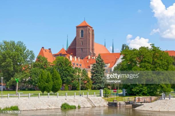 église de sainte vierge marie à wroclaw - gwengoat photos et images de collection