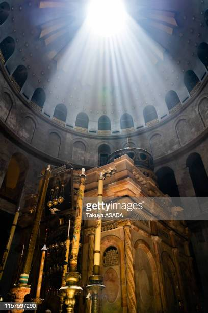 church of the holy sepulchre - chiesa del santo sepolcro foto e immagini stock