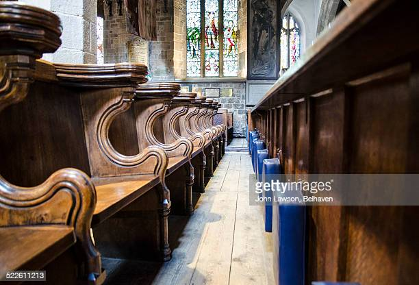 church pews and kneelers - st. nicholas cathedral stock pictures, royalty-free photos & images