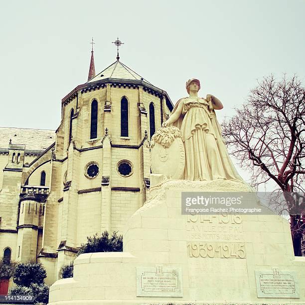church san martin - ポー市 ストックフォトと画像
