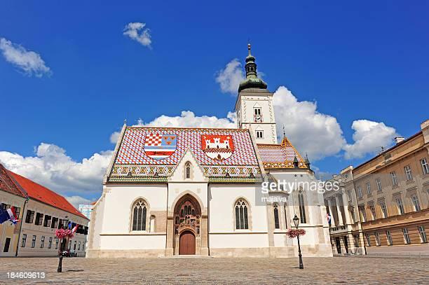 kirche st. marco in zagreb, kroatien - zagreb stock-fotos und bilder