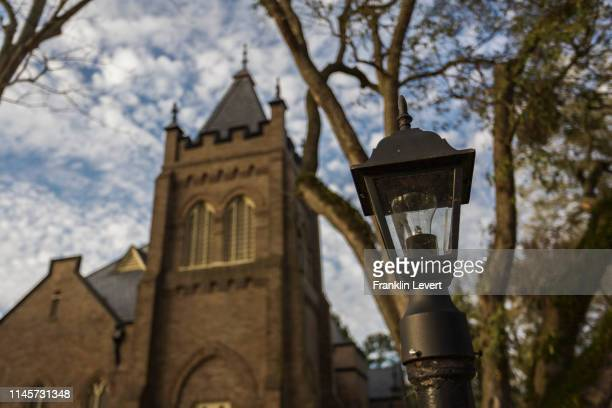 church tower - congregation stock pictures, royalty-free photos & images