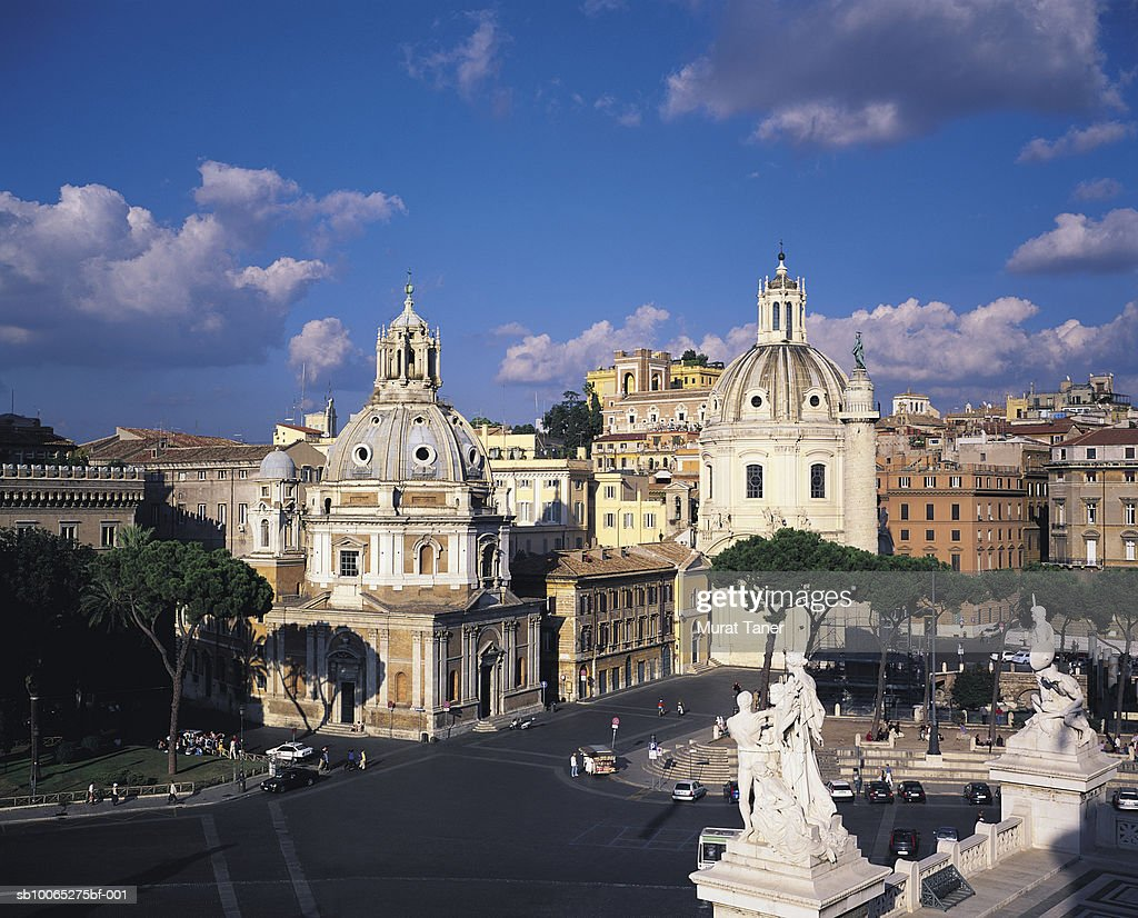 Churches in Piazza Venezia square, elevated view : Foto stock