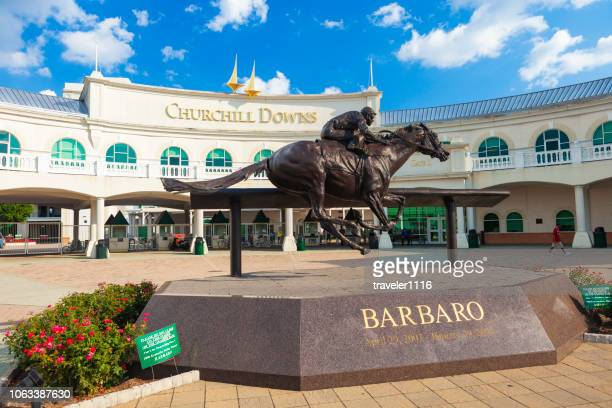 churchill downs in louisville, kentucky - kentucky stock pictures, royalty-free photos & images