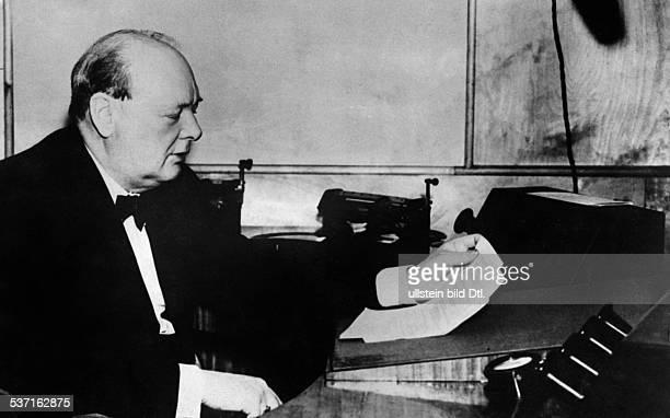 Churchill, Winston, , Politician, Great Britain, Prime Minister 1940-1945, on his desk