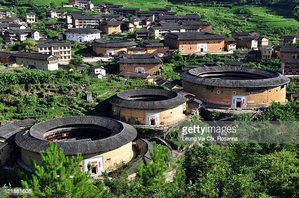 chuxi tulou cluster in fujian - fujian tulou stock pictures, royalty-free photos & images