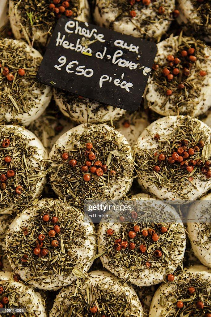 Chèvre aux Herbes de Provence : Stock Photo