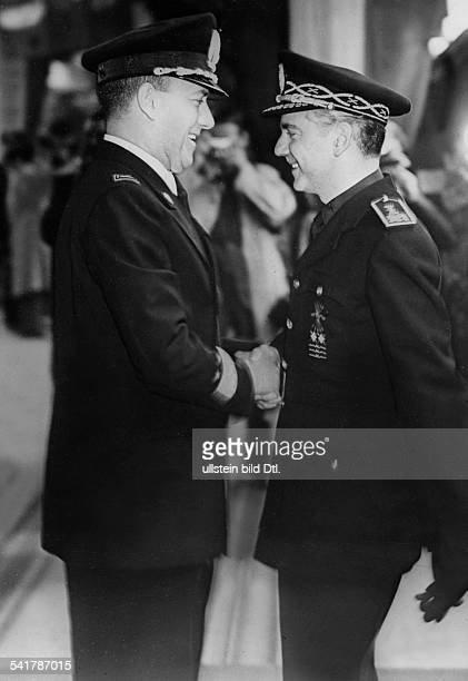Ciano Galeazzo Politician Italy*Foreign Minister Ciano and Spanish fascist politician Ramon Serrano Suner shaking hands Vintage property of ullstein...