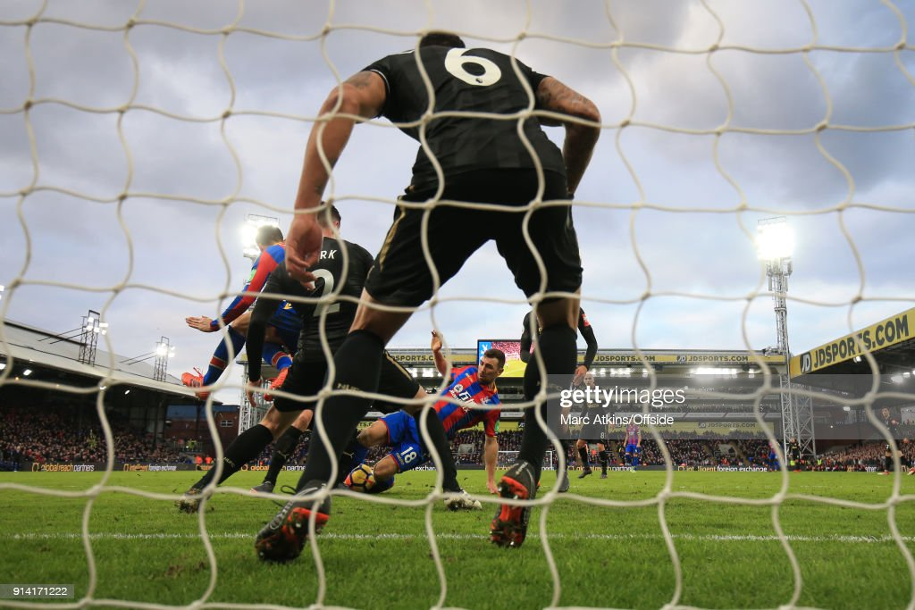 Ciaran Clark of Newcastle United blocks a late effort from James McArthur of Crystal Palace during the Premier League match between Crystal Palace and Newcastle United at Selhurst Park on February 4, 2018 in London, England.