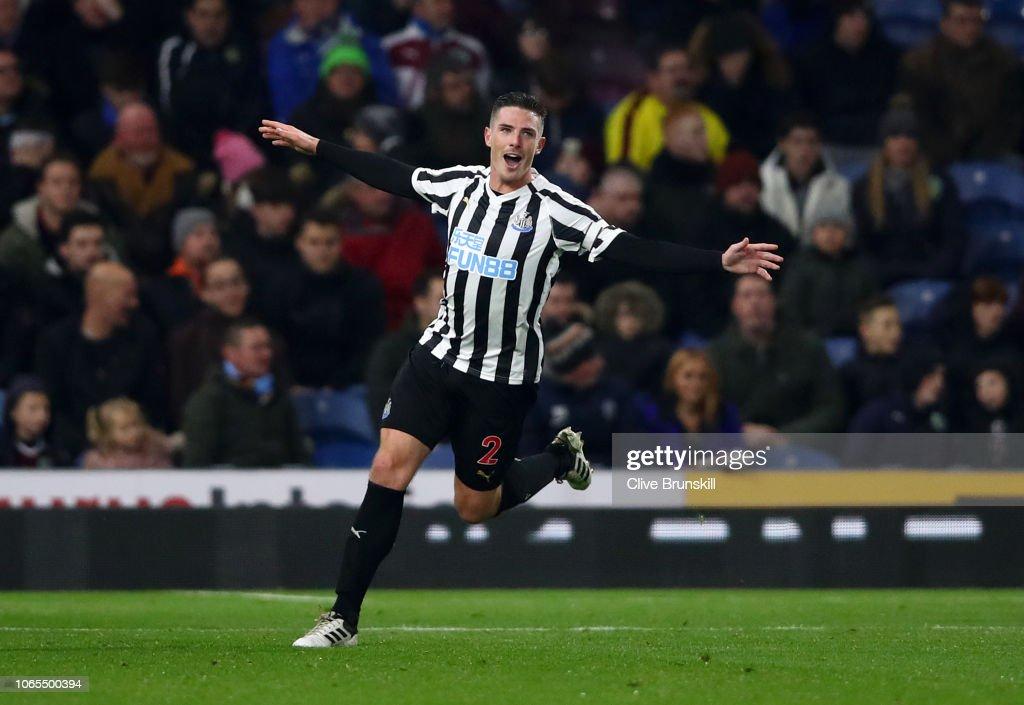 Burnley FC v Newcastle United - Premier League : News Photo