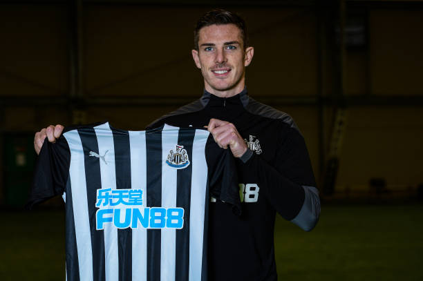 GBR: Ciaran Clark Signs a New Contract at Newcastle United