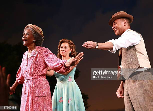 Cicely Tyson Vanessa Williams and Cuba Gooding Jr during curtain call at the Broadway opening night of The Trip To Bountiful at Stephen Sondheim...
