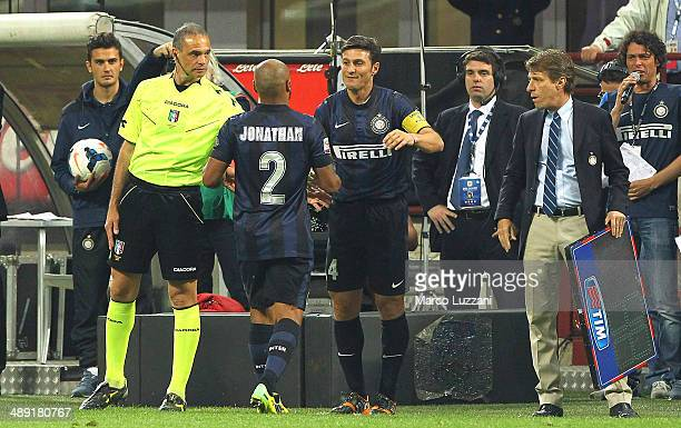 Cicero Moreira Jonathan of FC Internazionale Milano is replaced by Javier Zanetti of FC Internazionale Milano during the Serie A match between FC...