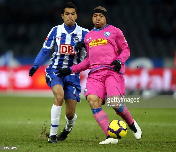 Cicero of Berlin and Joel Epalle of Bochum battle for the ball during the Bundesliga match between Hertha BSC Berlin and VfL Bochum at Olympic...