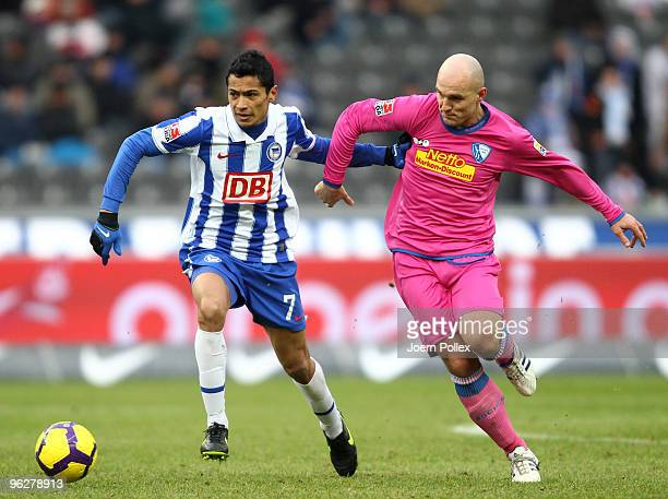 Cicero of Berlin and Milos Maric of Bochum battle for the ball during the Bundesliga match between Hertha BSC Berlin and VfL Bochum at Olympic...