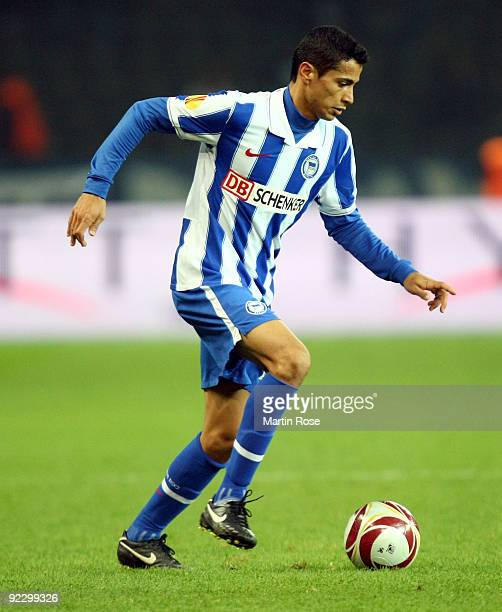 Cicero of Berlin runs with the ball during the UEFA Europa League Group D match between Hertha BSC Berlin and SC Heerenveen at the Olympic stadium on...