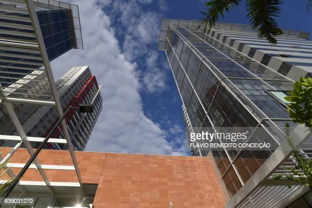 cidade de londrina no brasil - local de trabalho stock pictures, royalty-free photos & images